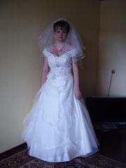 Продаю свадебное платье цвета